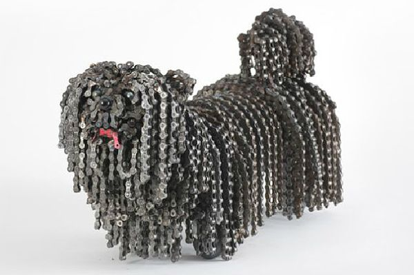 Nirit-Levav-chain-dog-sculpture