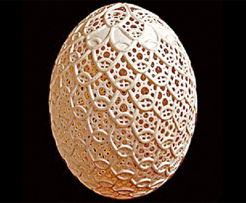 franc_grom_egg_art_close_up